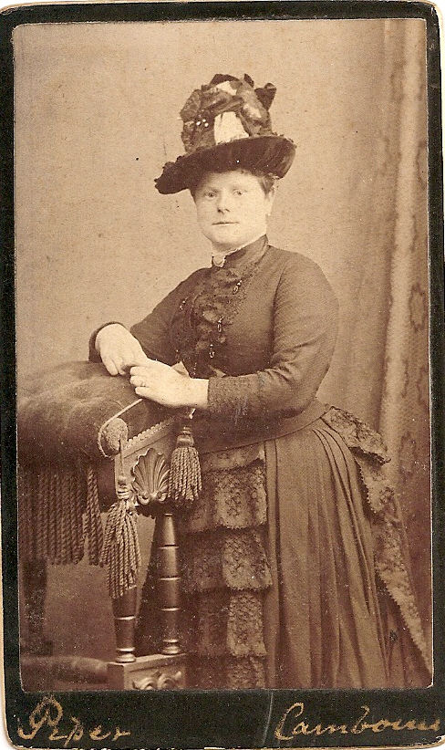 Carte de Visite by William Piper of Elizabeth Gribble Carah (1824-1886). //(Warren B. Carah Collection)//